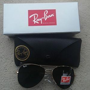 Brand New Black RayBan Aviators 62mm Never Worn